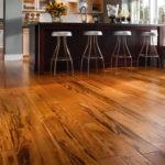 Lựa chọn sàn gỗ giá rẻ giúp nâng cao tính thẩm mỹ cho các cửa hàng kinh doanh